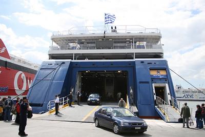 2008 - F/B BLUE STAR NAXOS disembarking in Piraeus.