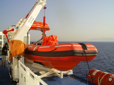 2012 - On board BLUE STAR NAXOS : fast rescue boat 2.