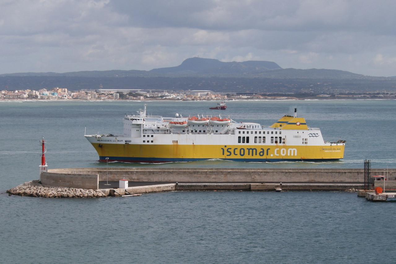 F/B MERCEDES DEL MAR arriving to Palma de Mallorca.
