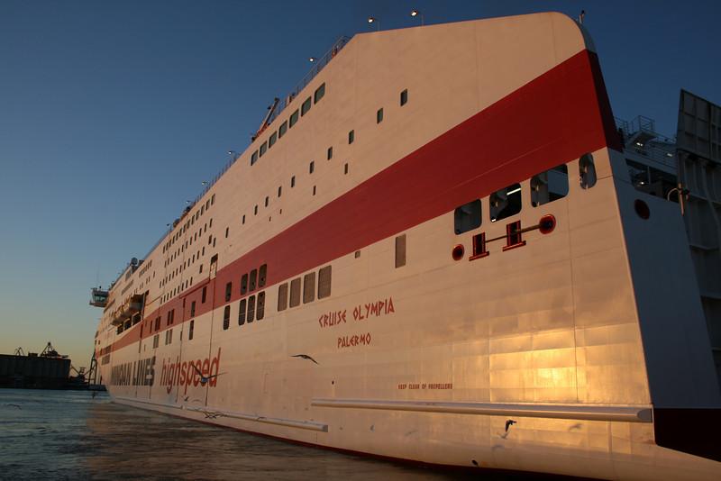 CRUISE OLYMPIA mooring in Ancona, arrival from Patra - Igoumenitsa.