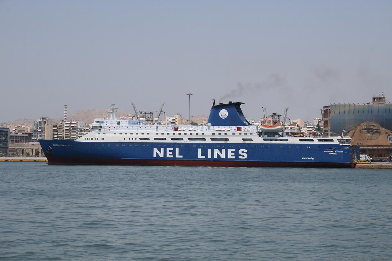 2011 - F/B EUROPEAN EXPRESS in Piraeus embarking to Chios - Mytilini