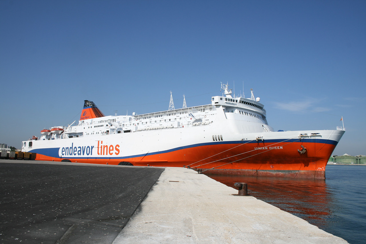 2010 - F/B IONIAN QUEEN in Brindisi.