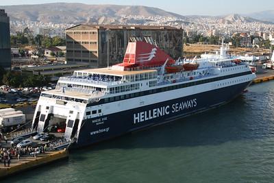 2009 - F/B NISSOS CHIOS in Piraeus.