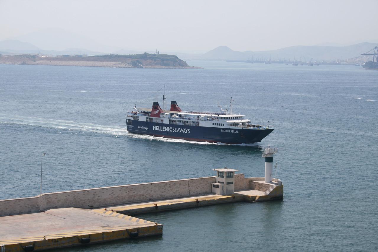 2011 - F/B POSIDON HELLAS arriving to Piraeus