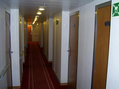2012 - On board SUPERFAST II : cabin corridor.