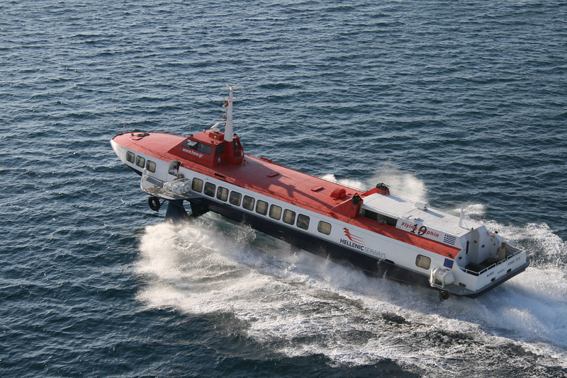 2009 - Hydrofoil FLYING DOLPHIN XIX on route from Piraeus to Argosaronikos.