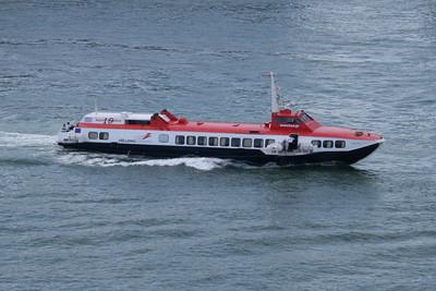 2008 - Hydrofoil FLYING DOLPHIN XIX arriving to Piraeus.