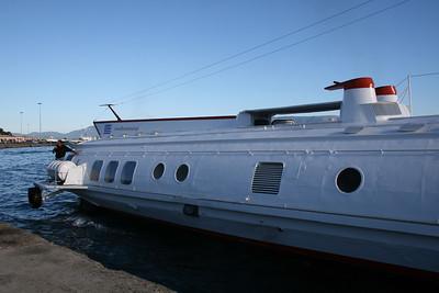 2010 - Hydrofoil ILIDA II unmooring in Corfu.
