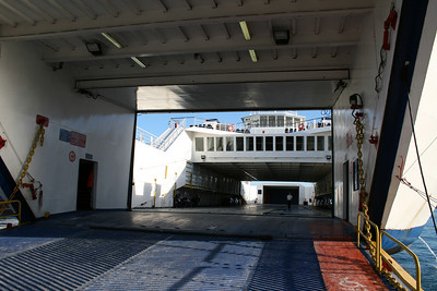 Open deck two-way ferry ANO CHORA II : car deck.