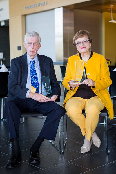 Roberta '61 and Gene Stearns '62 | Distinguished Alumni Service Award
