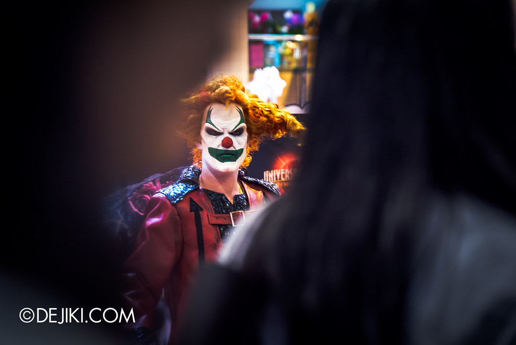 Universal Studios Singapore - Halloween Horror Nights 6 Before Dark Day Photo Report 1 - Jack the Clown in the City