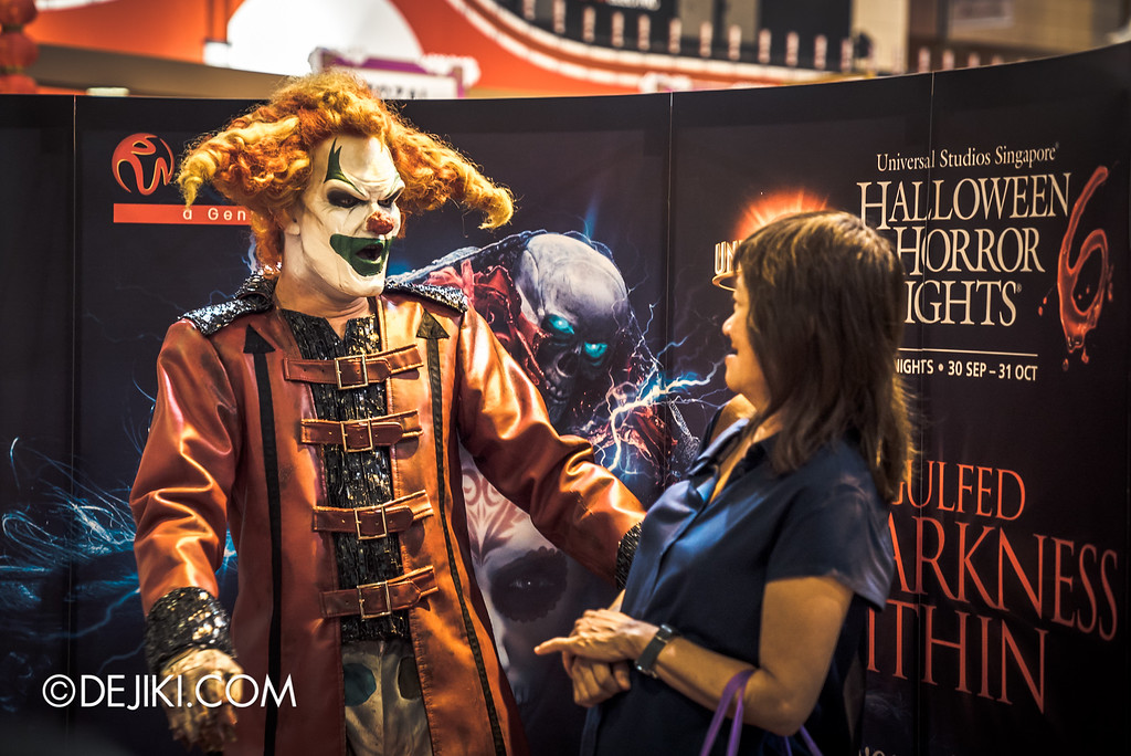Universal Studios Singapore - Halloween Horror Nights 6 Before Dark Day Photo Report 1 - Jack meets a fan