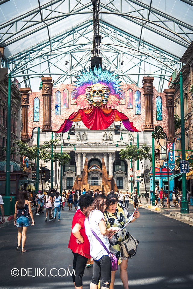 Universal Studios Singapore - Halloween Horror Nights 6 Before Dark Day Photo Report 1 - March of the Dead scare zone entrance