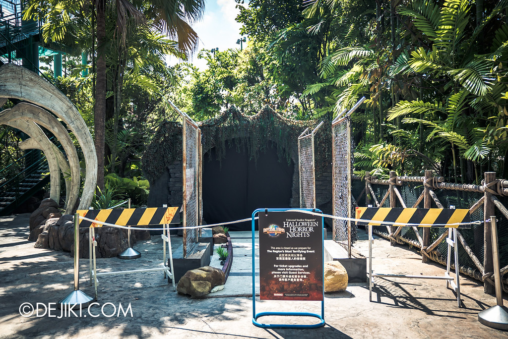 Universal Studios Singapore - Halloween Horror Nights 6 Before Dark Day Photo Report 1 - Suicide Forest scare zone tunnel