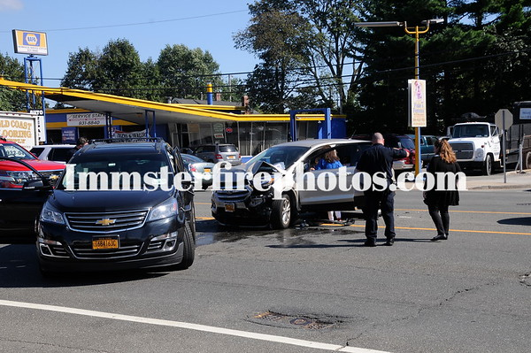 HICKSVILLE FD WALTER AVE FIRE & OLD COUNTRY RD MVA