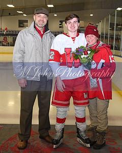senior night Hockey2020-37