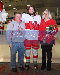 senior night Hockey2020-43-2