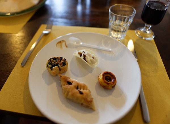 Acetaia Casselli, lunch starters with the different vinegars