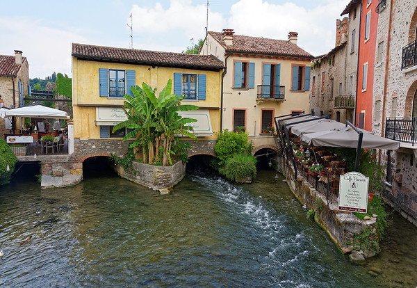 Valeggio and the Mincio river; small restaurant