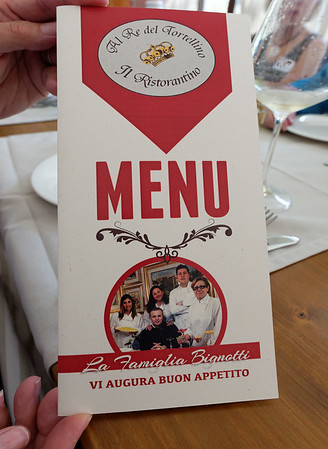 Valeggio, Al Re del Tortellino; menu