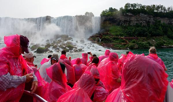 Niagara Falls, American falls with rubble