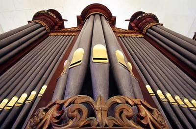 CUR 70  Organ, upper gallery, Mikveh Israel-Emanuel  WILLEMSTED, Curacao