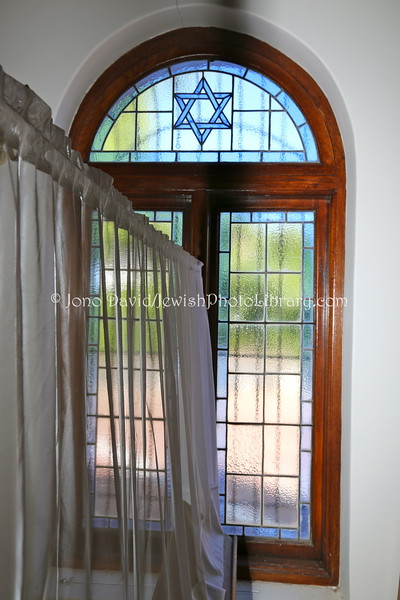 ZA 13730  Somerset West Synagogue  Somerset West, South Africa