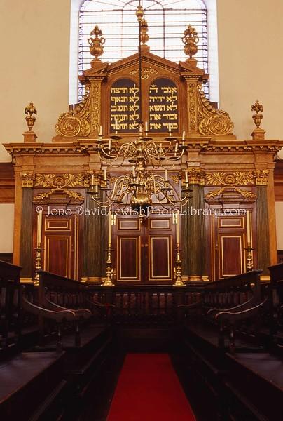 EE 31  Bevis Marks Synagogue  LONDON, U K