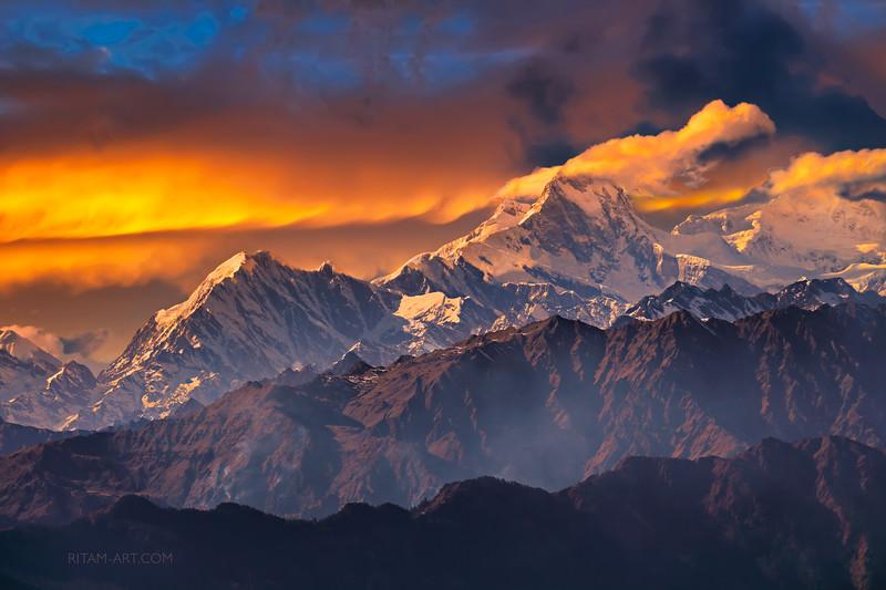 The Himalayas. A Fiery Extravaganza / Гималаи. Огненная феерия