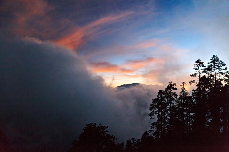 The Himalayas. Cloudy Spectacular / Гималаи. Облачная феерия