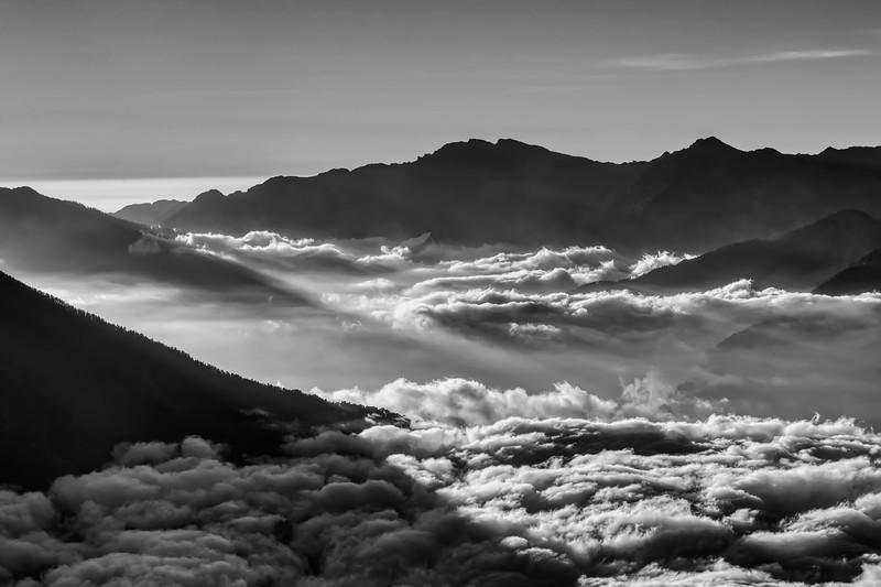 Облачная чаша Гималаев / A Cloud Bowl of the Himalayas