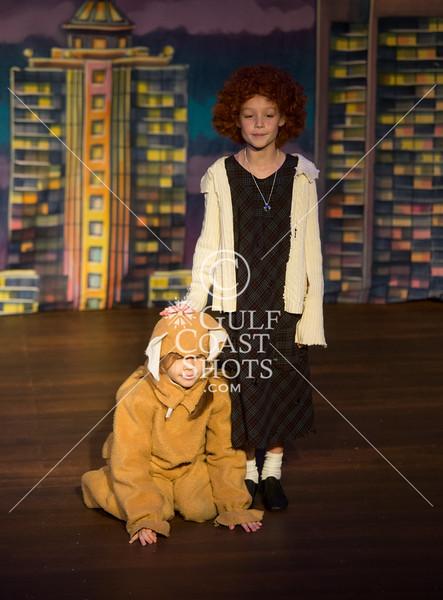 HITS Juniors 1 cast performs Annie Jr.