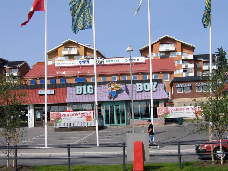 """I remember """"Bob's Big Boy"""" hamburgers in Southern California. This is in Piteå, near the bus station as we prepare to leave for Älvsbyn to catch the return train to Stockholm."""