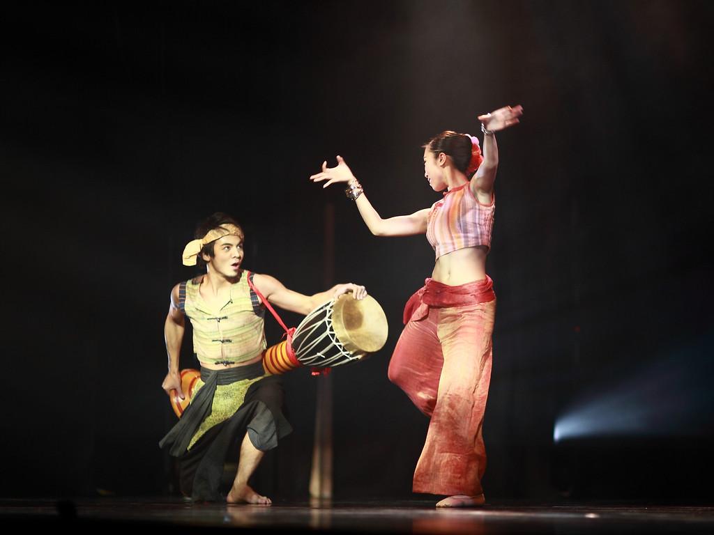 共舞紀事 - 香港舞蹈團