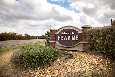 Hearne Sign_0002
