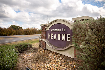 Hearne Sign_0001