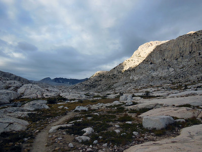 The John Muir trail heading N through the Evolution Basin between Sapphire and Evolution Lakes.