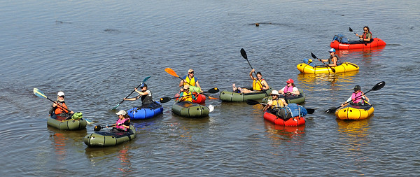 Everyone launched & ready to head south on Rio Grande into the Rio Grande del Norte National Monument.