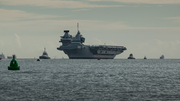 HMS Queen Elizabeth returning from exercise Westlant18, on December the 10th, 2018 (pic3)