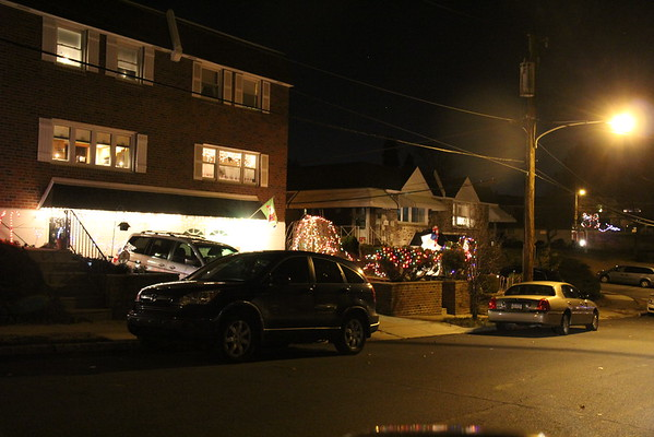 12-19-2014 Holiday Decorations-Roxborough