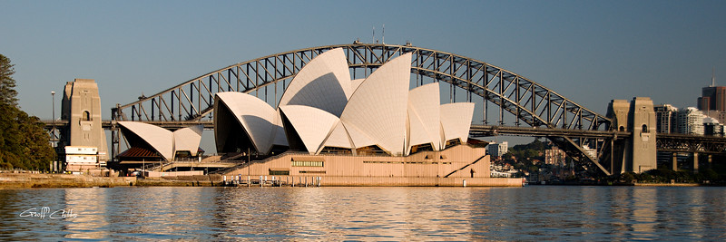 Sydney Opera House & Harbour bridge.Art photo digital download and wallpaper screensaver. DIY Print.