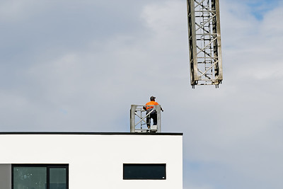 Construction crane removal. Update ed324. Gosford. April 9, 2019.