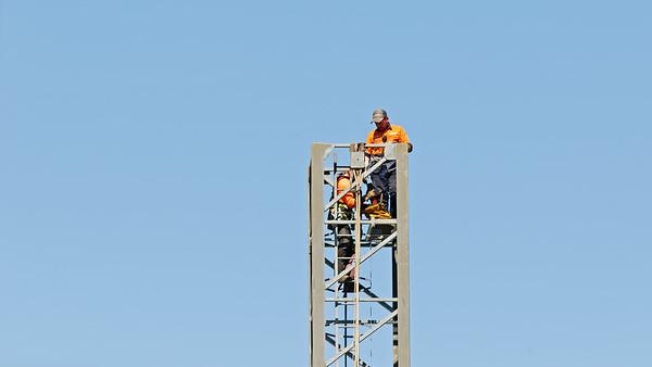 Construction crane removal. Update ed321. Gosford. April 9, 2019.