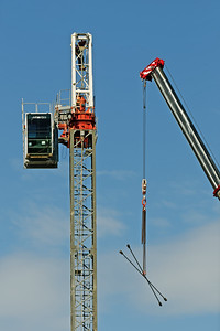 Construction crane removal. Update ed313. Gosford. April 9, 2019.