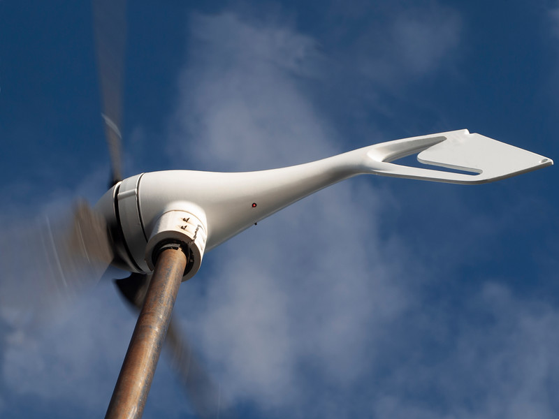 Wind generator generating alternative energy in a nautical and marine environment.