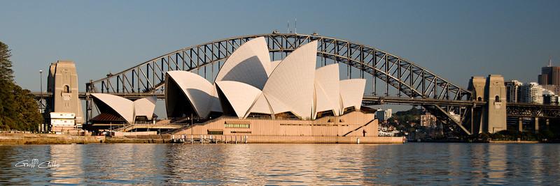 Sydney Opera House & Harbour bridge.Art photo digital download and wallpaper screensaver. DIY Print.
