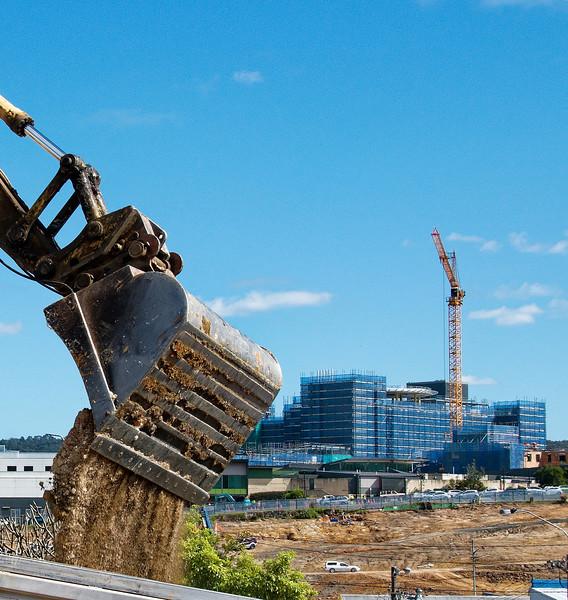 Gosford Hospital building progress  August 31, 2017.  (h5ed)