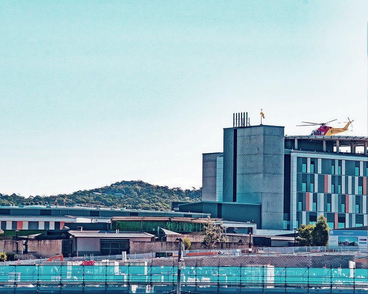 Gosford Hospital building progress  September 2018.   (h26ed)