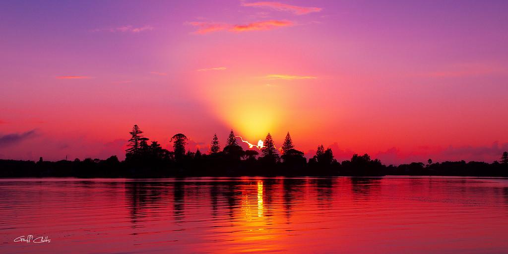"Magenta Sunrise over Water.  Art photo digital download and wallpaper screensaver.Diy Print (Format 1/2) Size eg. 8""x16"""