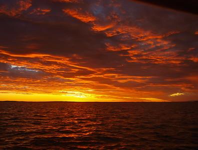 Golden Sunset Seascape. Ocean view .